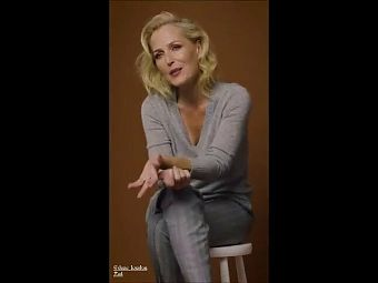 Gillian Anderson Super Hot Feet And Legs