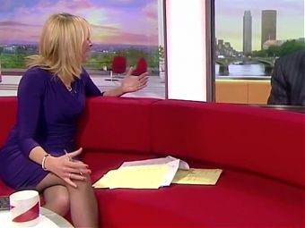 Louise Minchin Leggy Short Skirt Sheer Tights