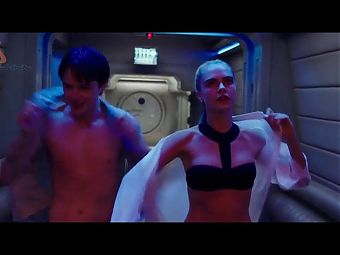 Cara Delevingne - Valerian and the City of a Thousand Planets 2017