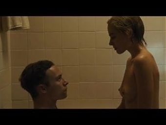 Margot Robbie wet tits in a sex scene